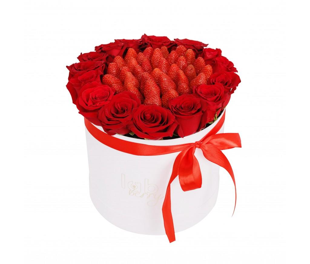 Розы с клубникой №1