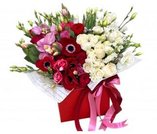 Цветы в коробке № 339