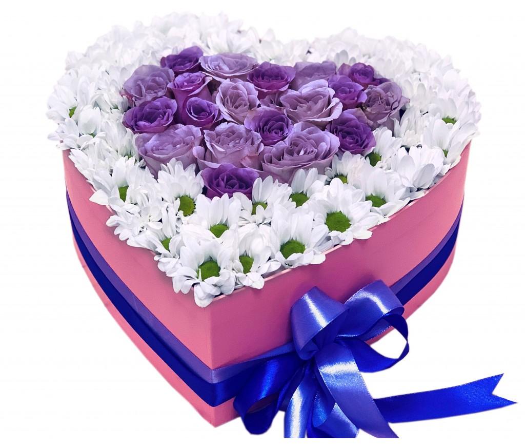 Сердце из роз и хризантем №723