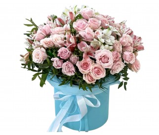 Розы в коробке №387