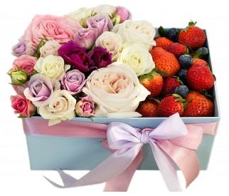 Клубника и розы №27