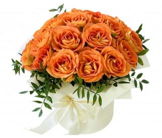 Розы в коробке №355