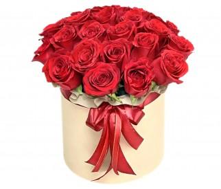 Розы в шляпной коробке №345