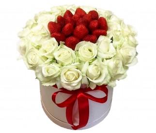 Розы с клубникой №20