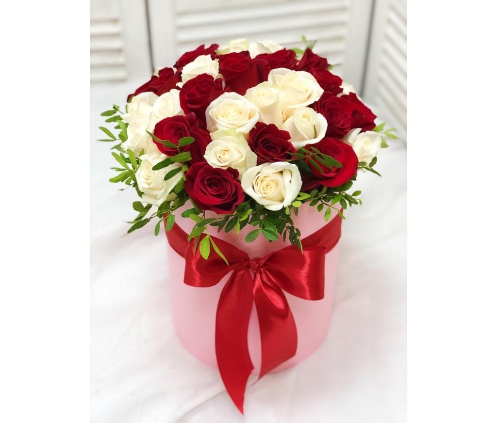 Блюмбокс из роз №354